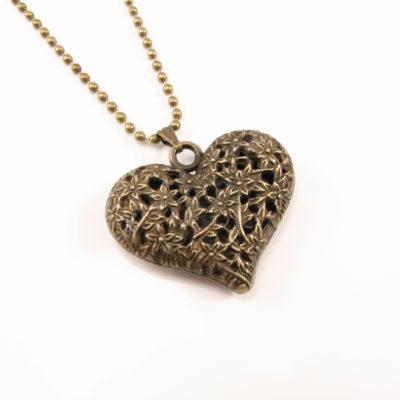 Smukt vintage hjerte m halskæde