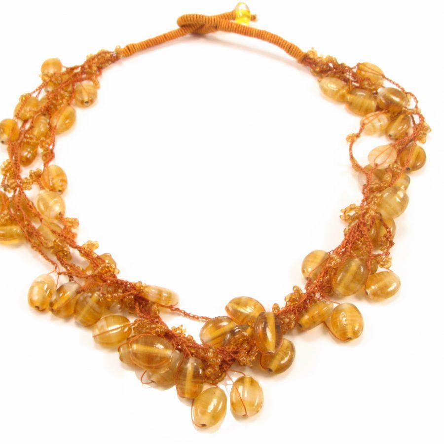 Unika halskæde i gullige nuancer