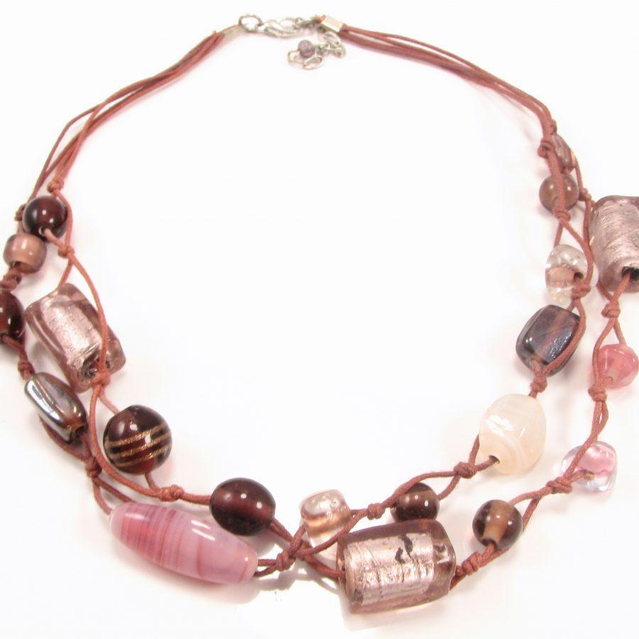 Unika halskæde i rosa nuancer