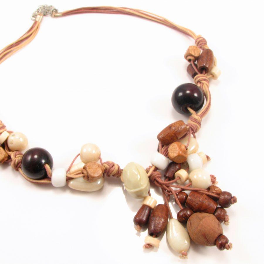 Unika halskæde med træperler