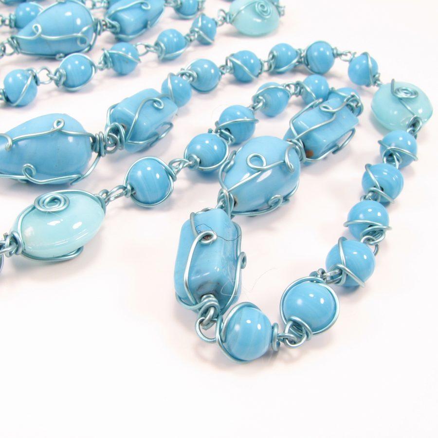 Lang blå unika kæde