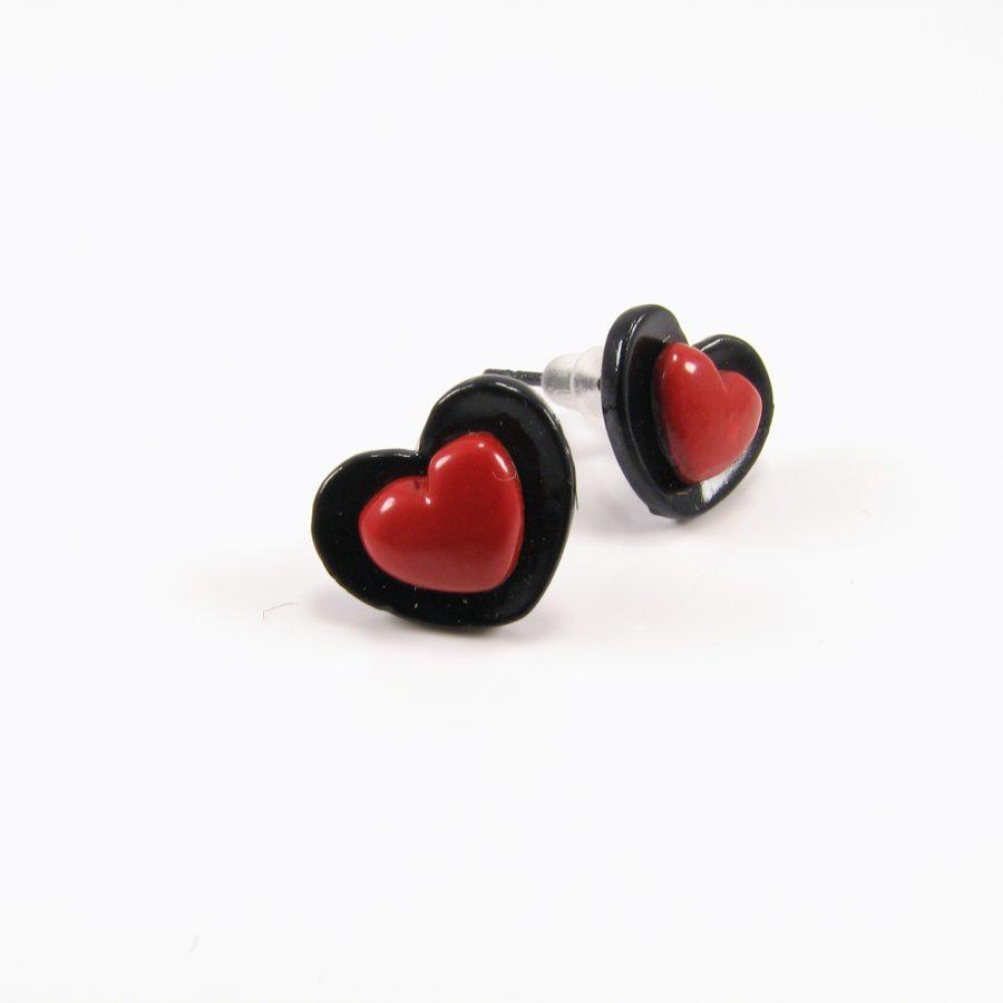 Sort ørering med hjerte