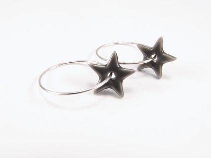 Grå keramikstjerne på sterling creol