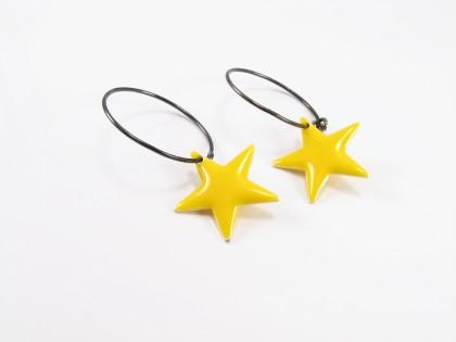 Gul emalje stjerne på oxideret sterling creol
