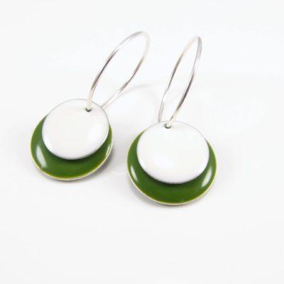 Grøn og hvid mønt på sterling sølv