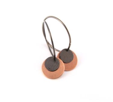 Kobber og oxideret mønt på oxideret sterling creol