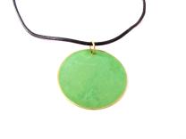 Grøn emalje på læder