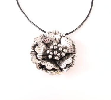 NE254 blomst på læder